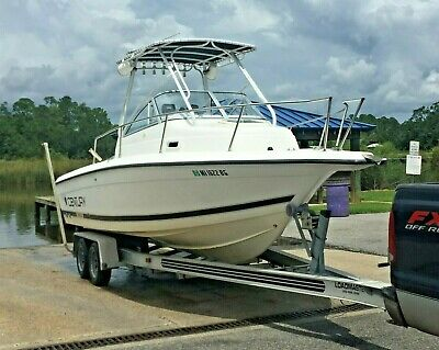 2000 Century 2300 Boat Offshore Yamaha 200hp OX66 outboard Magic Tilt trailer