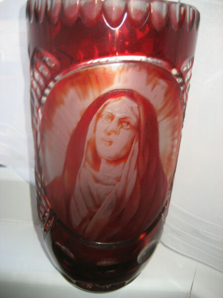 RED FLASHED BOHEMIAN VASE SUPERBLY ENGRAVED WITH 'WEEPING MARIA'