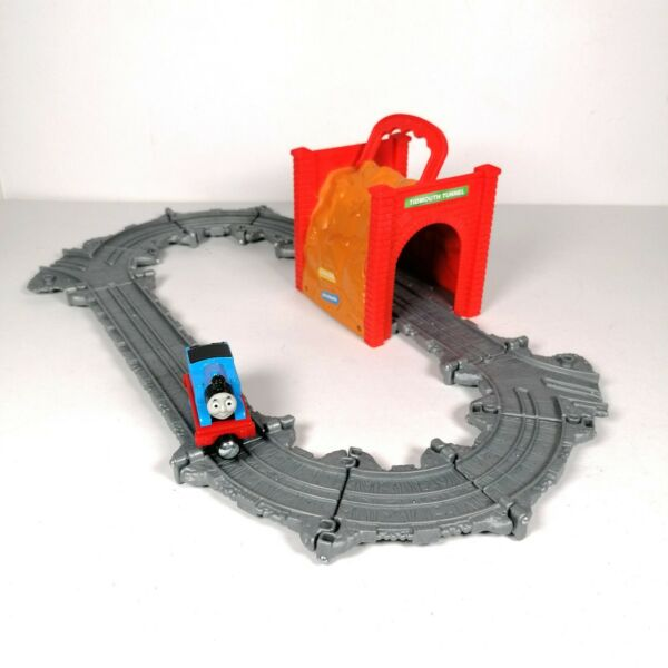 Thomas The Tank Engine Take n Play Set Tidmouth Tunnel and Train Foldable Track