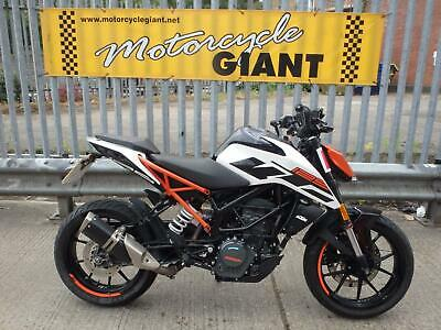 KTM DUKE 125 abs 2018 6K Miles, Stunning Example of this Fast naked sports bike