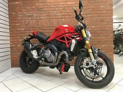 2017/17 Ducati M1200S With 3761 Miles Finished In Red