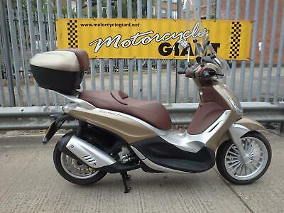 Piaggio Beverly 300 ie 2012 ONLY 1,500 miles FSH Barely used 2 owners