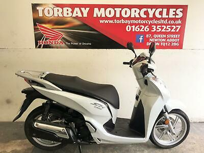 HONDA SH300i ABS 2017 17 REG 1 OWNER FSH LED LIGHTS MODEL KEYLESS INGITION