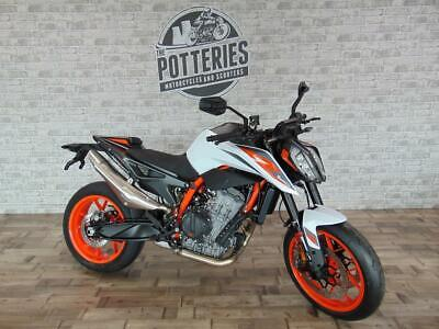 KTM 2020 KTM 890 Duke R 2020 NOW WITH FREE TECH PACK WORTH £655
