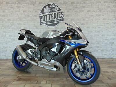 Yamaha YZF R1M 2017 **Low miles and super clean**