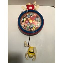 Kyпить M&M's WHIMSICAL SOUNDS MOVING & TALKING PENDULUM WALL CLOCK RED & YELLOW WORKS! на еВаy.соm