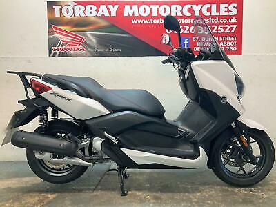 YAMAHA X-MAX 125 ABS MAXI SCOOTER IN WHITE 2017 67 REG JUST 4222 MILES