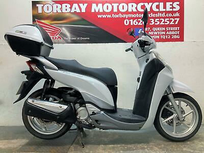 HONDA SH300i ABS 2013 13 PLATE 18243 MILES WITH TOP BOX  PEARL WHITE