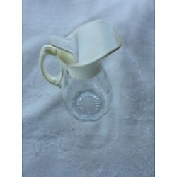 Kyпить Clear Scalloped Glass Syrup Pitcher/Dispenser with Ivory Plastic Top на еВаy.соm