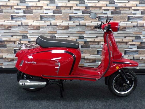 2020 (70) ROYAL ALLOY GT 125cc A Modern Classic Retro Automatic Moped Scooter