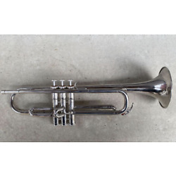 YAMAHA YTR-135 Trumpet From Japan Used