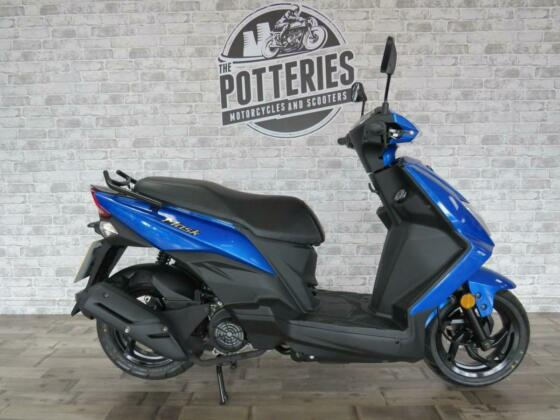 SYM mask 50 cc learner legal scooter moped 2021 Euro 4