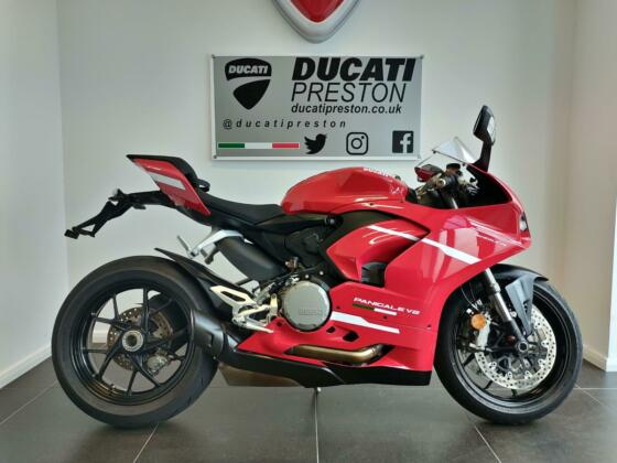 2020 70 Ducati Panigale V2 Red 1,260 Miles 1 Owner