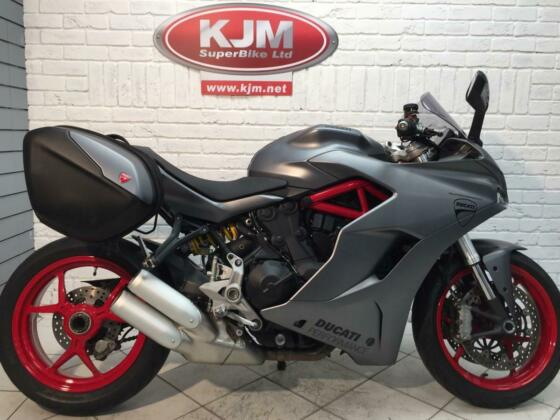 DUCATI SUPERSPORT , 2019/69, JUST 4,219 MILES WITH FDSH, LUGGAGE PLUS MORE