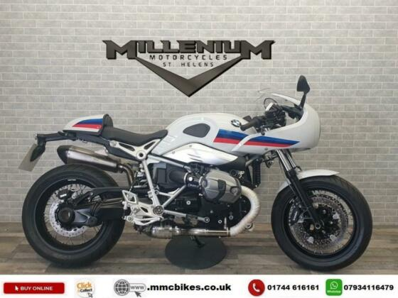 2017 (17) BMW R NINET RACER  FINISHED IN WHITE WITH ONLY 718 MILES.