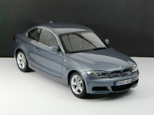 bmw 1er coupe e82 kristall blau kyosho 1 18 neu ovp bmw. Black Bedroom Furniture Sets. Home Design Ideas