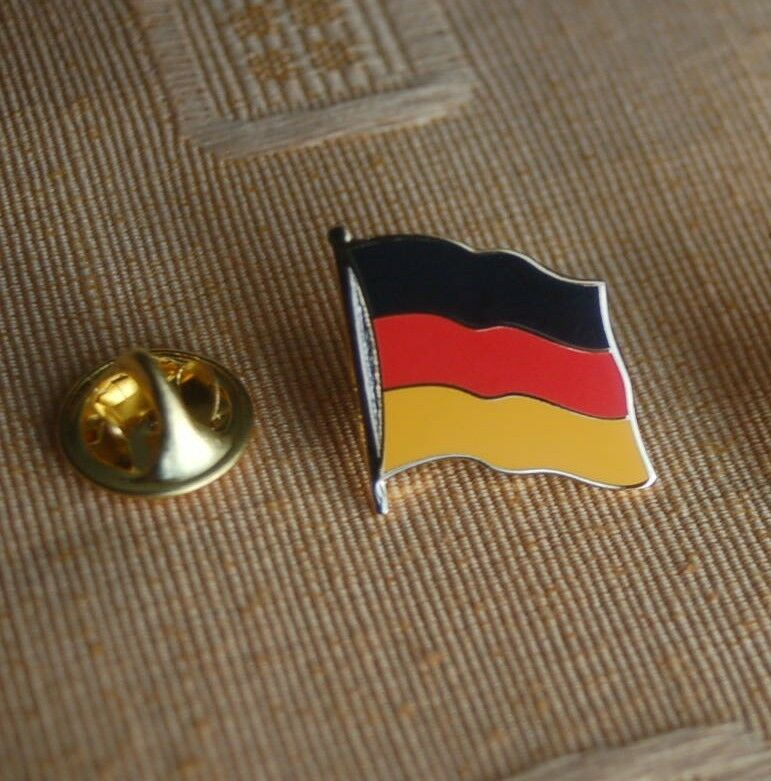 deutschland germany anstecknadel pin button badge anstecker flaggenpin top ebay. Black Bedroom Furniture Sets. Home Design Ideas