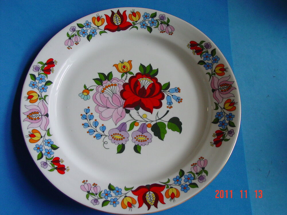 Decorative porcelain wall hanging plate hand painted from for Where to buy ceramic plates to paint