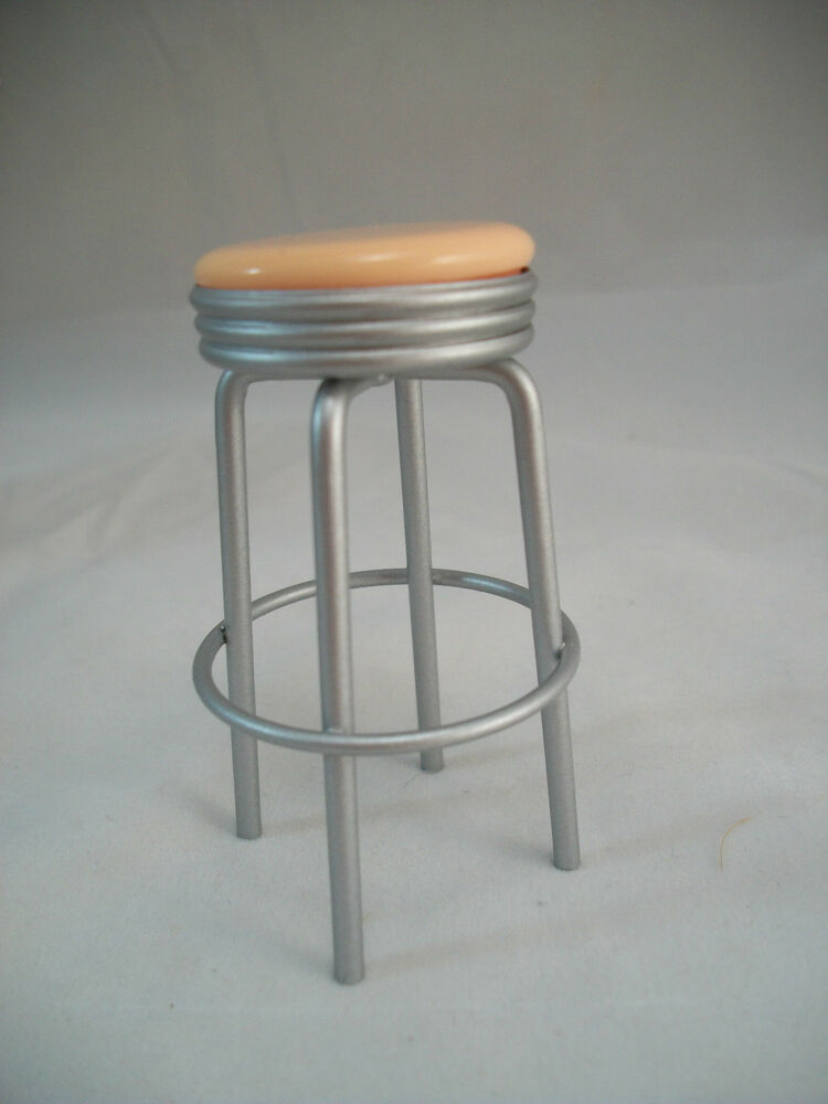 1950s Stool Peach T5925 Dollhouse Miniature Furniture