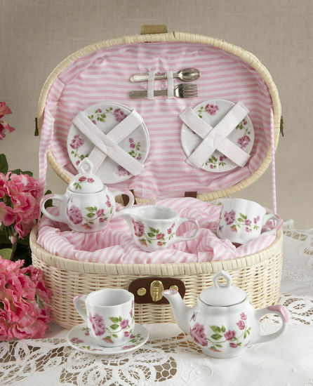 american girl children 39 s tea set for 2 rambling rose child set in basket ebay. Black Bedroom Furniture Sets. Home Design Ideas