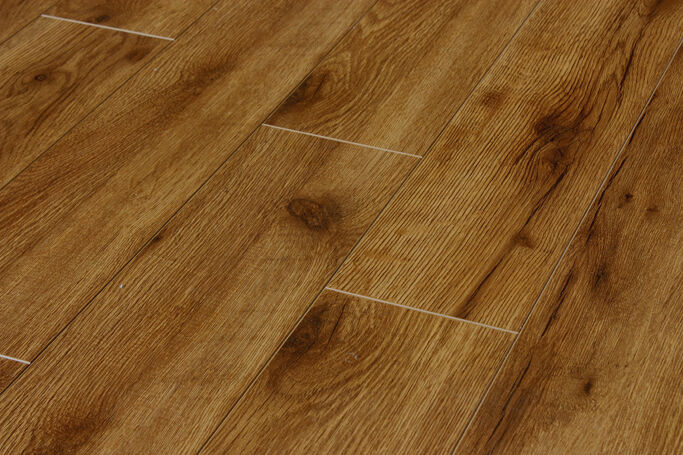 Pallet deals 12mm gloss laminate wood flooring harvest oak for Hardwood flooring deals