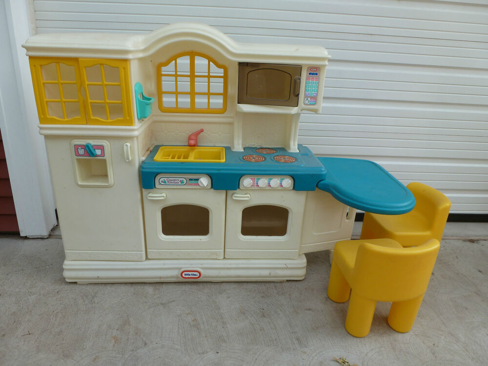 Little tikes country kitchen with 2 chairs ebay for Little kitchen set