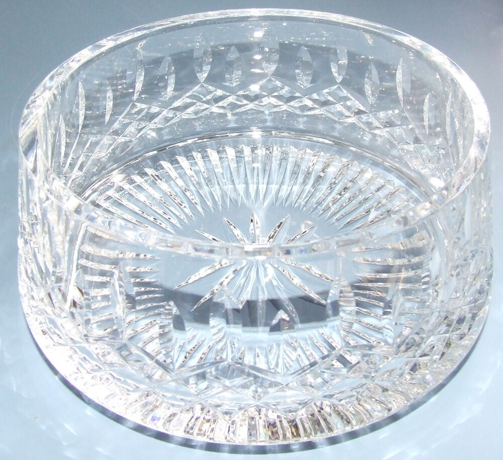 the history of the waterford crystal Just the name waterford crystal alone has become synonymous with fine crystal in the year 2000, thirty thousand americans were asked to rate nineteen world-class.