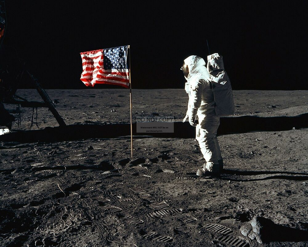 BUZZ ALDRIN SALUTES FLAG ON MOON APOLLO 11 ASTRONAUT ...