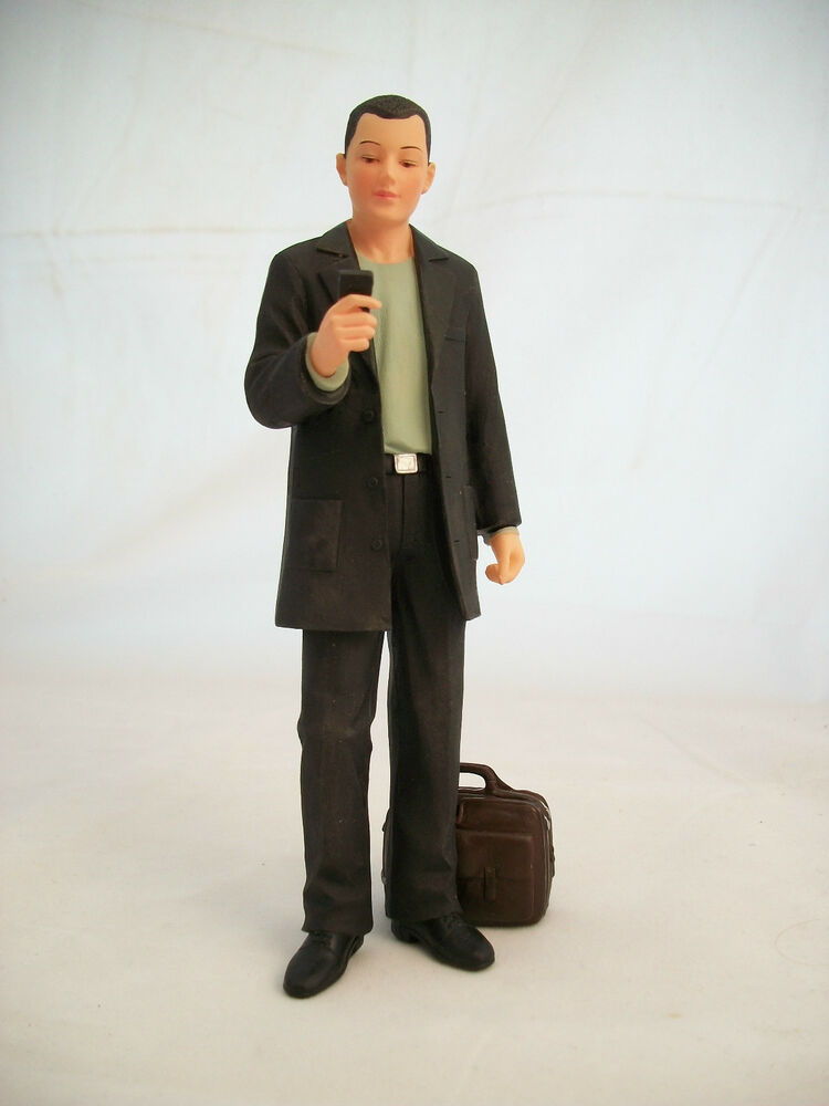 Resin Doll Andrew Man With Phone 3037 1 12 Scale