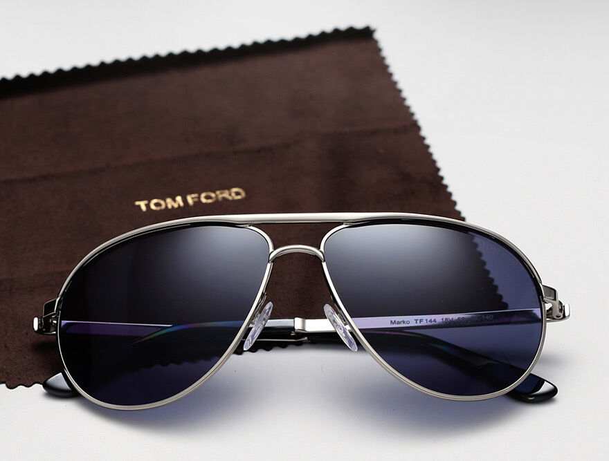 james bond 007 skyfall blue tom ford aviator marko. Black Bedroom Furniture Sets. Home Design Ideas