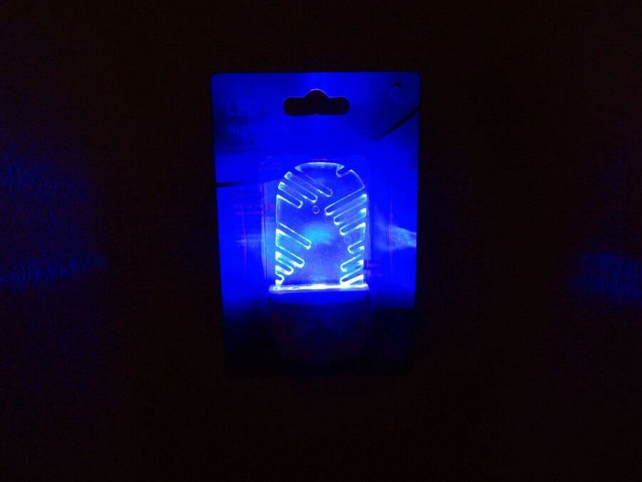 New Snow Flake Blue Rays Wall Plug Led Night Light Plug In