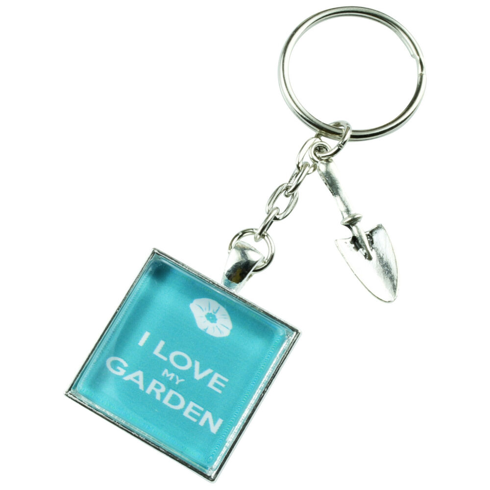 Funky gardening keyring new keep calm gift quirky novelty for Quirky retro gifts
