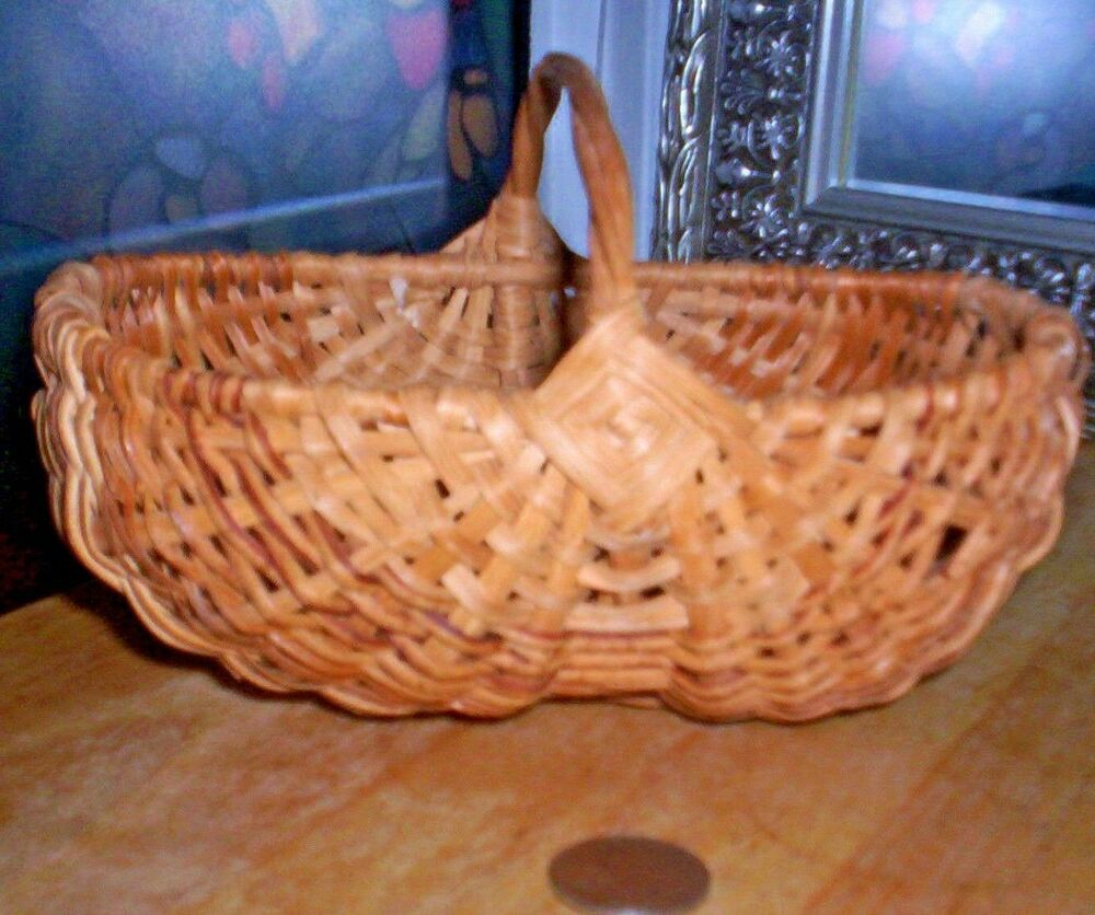 Handmade Basket Gifts : Vintage antique handmade bun egg basket
