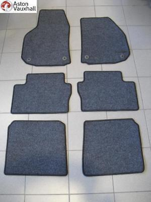 vauxhall zafira b floor mats set of 6 genuine new 2005. Black Bedroom Furniture Sets. Home Design Ideas