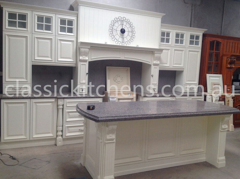 Provincial style kitchen traditional design classic for Provincial style kitchen