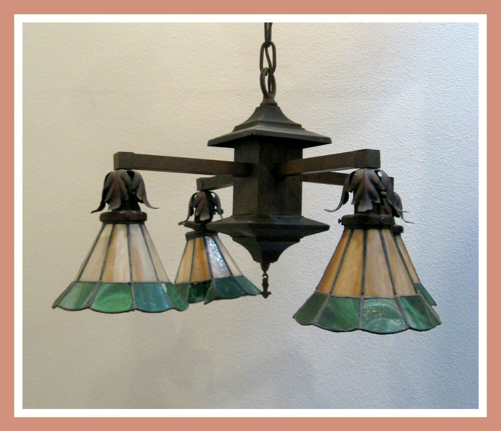 antique arts crafts stained glass hanging light lamp ebay. Black Bedroom Furniture Sets. Home Design Ideas