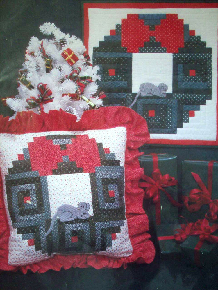 Quilt Pattern For Christmas Wreath : Holiday Wreath with sleeping mouse log cabin quilt pattern pillow decor eBay