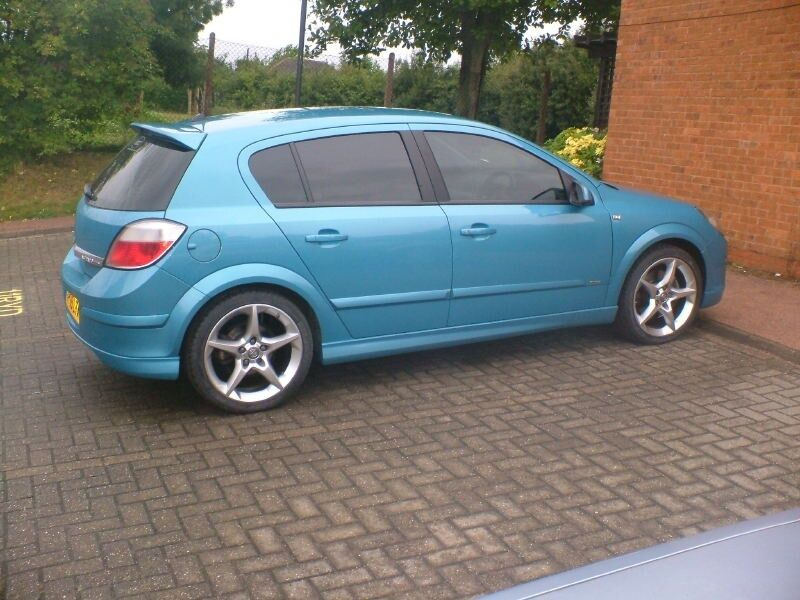 vauxhall opel astra h 5 door side skirts opc vxr look new ebay. Black Bedroom Furniture Sets. Home Design Ideas