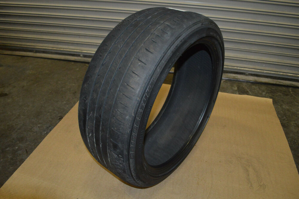 bridgestone potenza re050a 225 45 r19 92w tire tread depth 5 32 used ebay. Black Bedroom Furniture Sets. Home Design Ideas