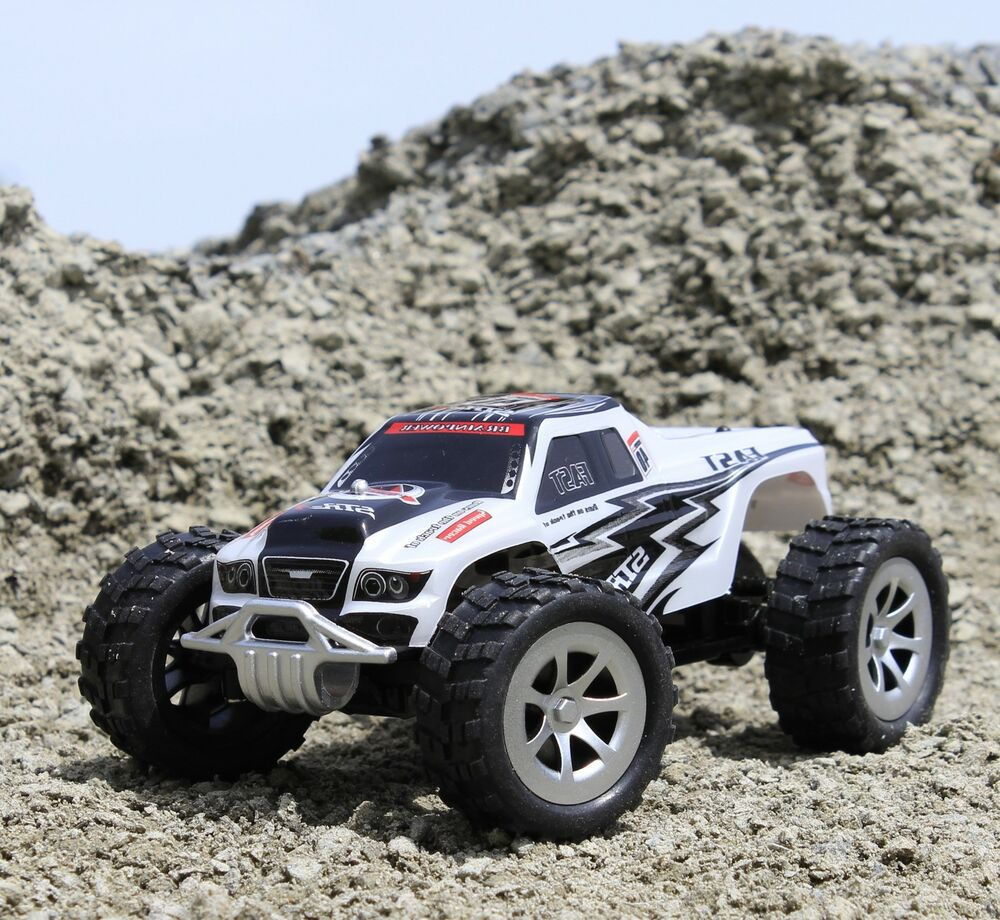 rc monstertruck truggy ber 25 km h schnell in top. Black Bedroom Furniture Sets. Home Design Ideas