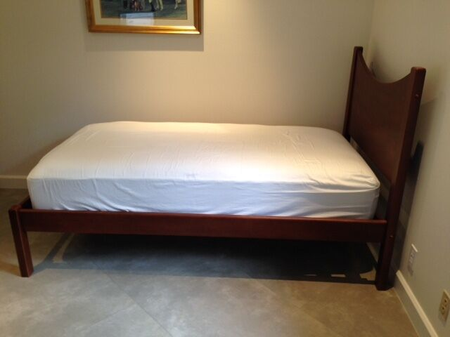 Ll bean twin solid maple platform bed with mattress Twin bed with mattress included