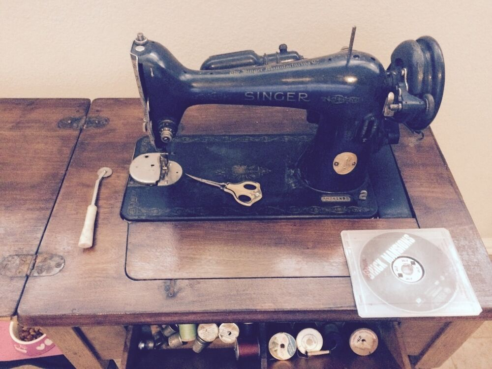 1947 antique vintage singer sewing machine model 15 se works ebay. Black Bedroom Furniture Sets. Home Design Ideas