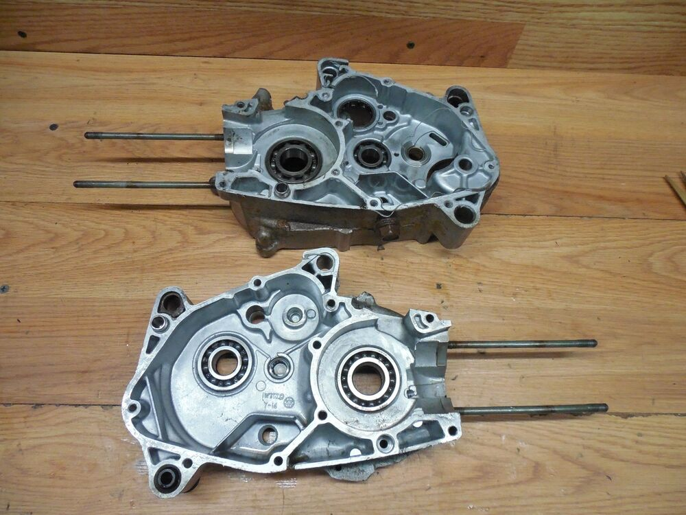 yamaha pw 80 oem inner engine cases 32b124m ebay. Black Bedroom Furniture Sets. Home Design Ideas