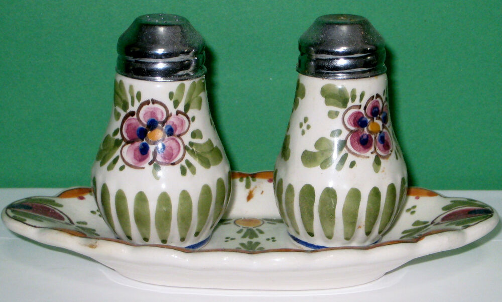 Vintage Beautiful Salt And Pepper Shaker Withs Little