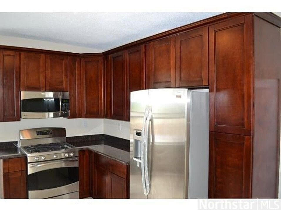 Cherry shaker kitchen cabinets ebay for Cherry kitchen cabinets