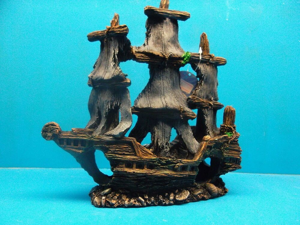Ym861 sailing pirate shipwreck heavy aquarium decoration for Fish tank pirate ship