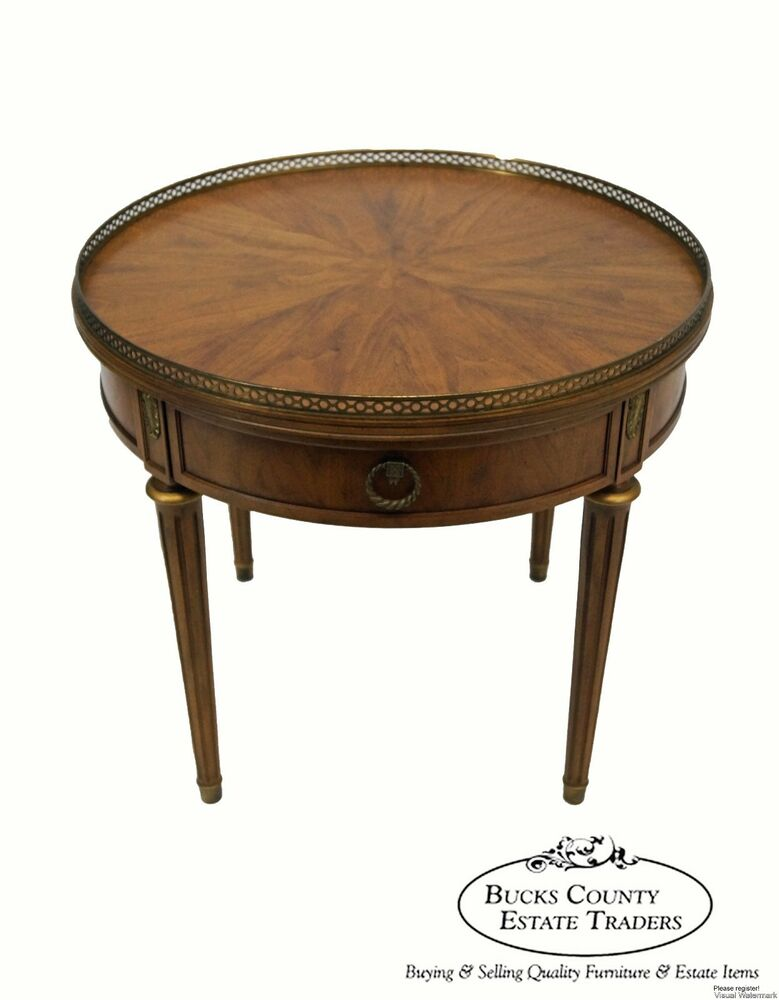henredon french louis xvi style round walnut regency. Black Bedroom Furniture Sets. Home Design Ideas