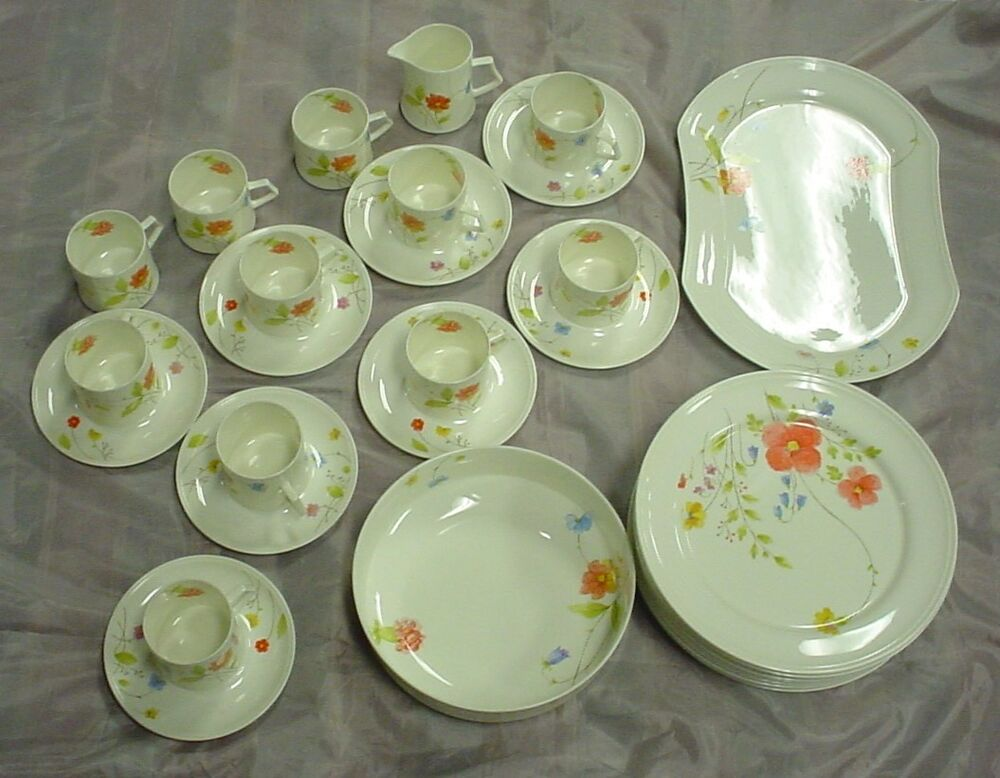 mikasa just flowers 31 pc bone china dinnerware set ebay. Black Bedroom Furniture Sets. Home Design Ideas
