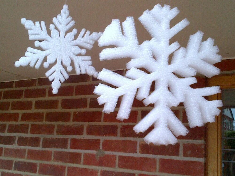 Foam snowflakes large 190mm snow frozen decoration hanging for Big snowflakes decorations