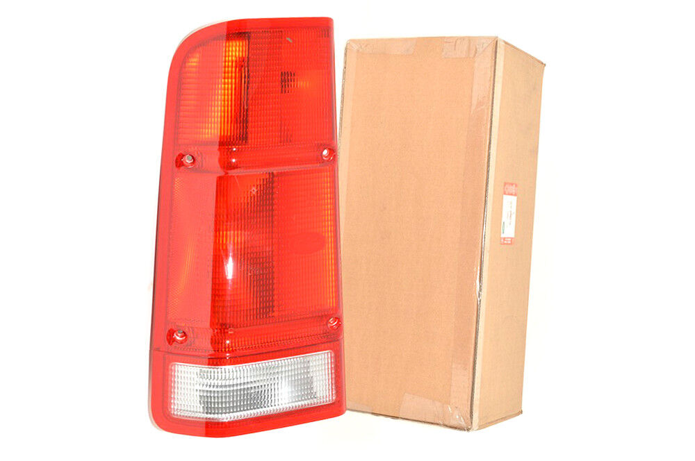 land rover discovery 2 2000 2001 rear stop and tail light. Black Bedroom Furniture Sets. Home Design Ideas